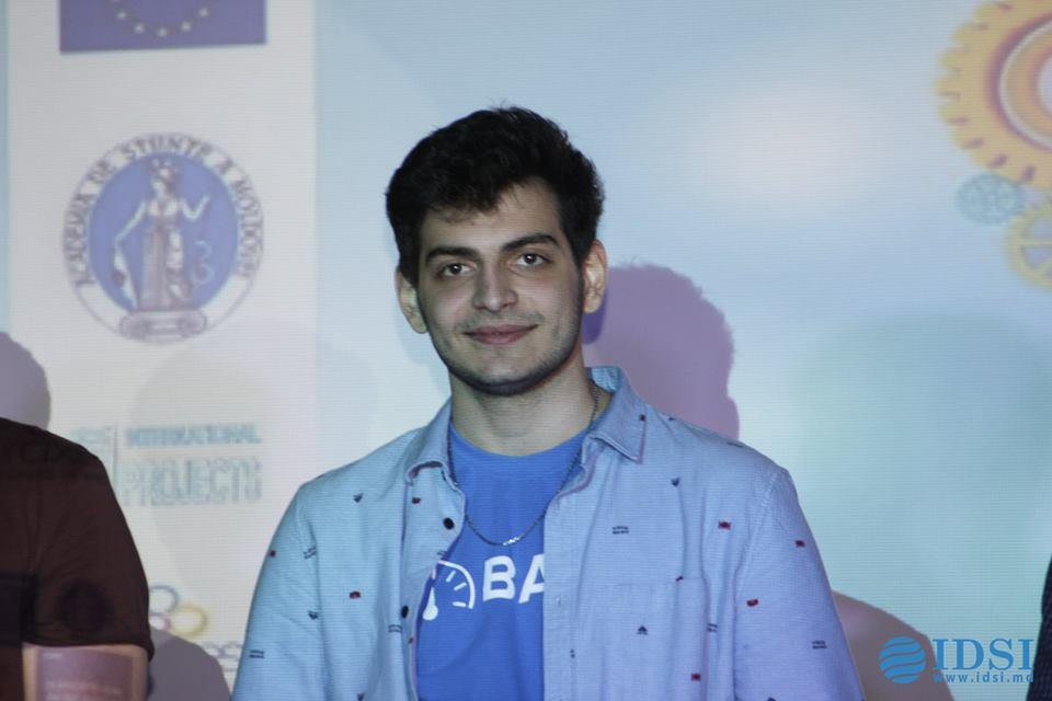 Slammer-ul Victor Grosu